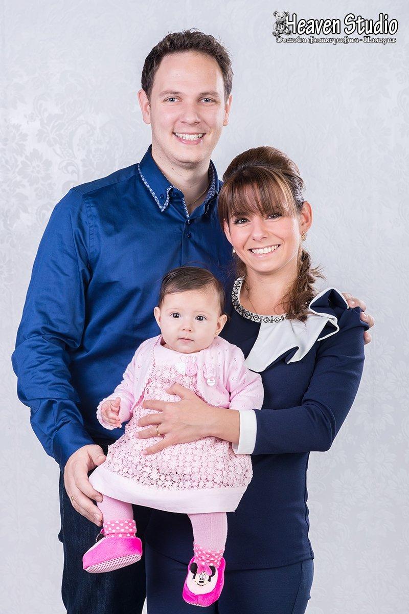 Семейна фотосесия за Коледа