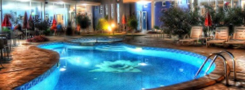 Хотел ДЕСИСЛАВА. Равда. Резервации хотел до плажа с басейн, ресторант и безплатен паркинг.