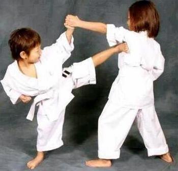 редовно трениращи