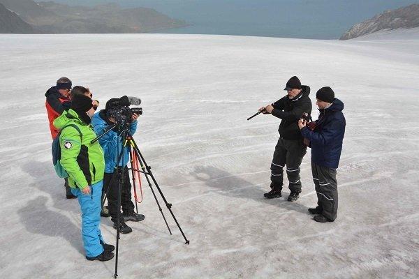 """Филмът """"Танцът на пингвините"""" разказва за преживяванията на Теодосий Спасов на Антарктида"""