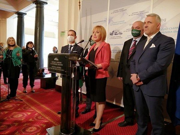Мая Манолова: Време е политическите трикове и за Росенец, и за мораториума върху решения на Министерския съвет да спрат