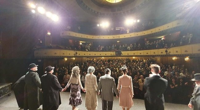 """Театър """"БЪЛГАРСКА АРМИЯ"""" отваря врати с най-хитовите комедийни заглавия от своя репертоар."""