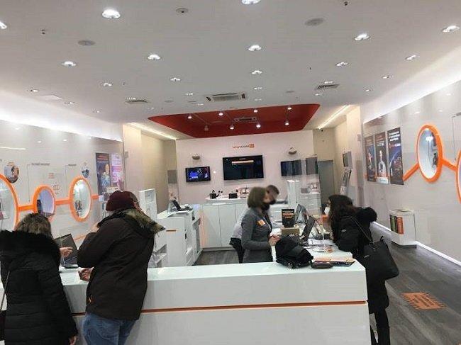 Проверка на Нюз БГ Репортер: Нужен е контрол на персонала в магазина на Vivacom в The Mall