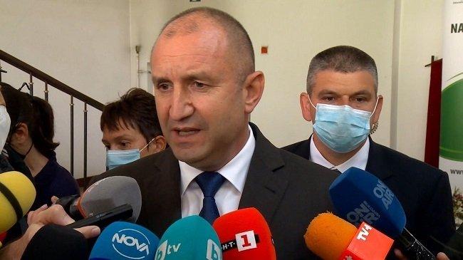"""ПРЕЗИДЕНТЪТ РАДЕВ: """"Ще внеса моите предложения за нова Конституция след избори, когато българският парламент придобие отново легитимност!"""