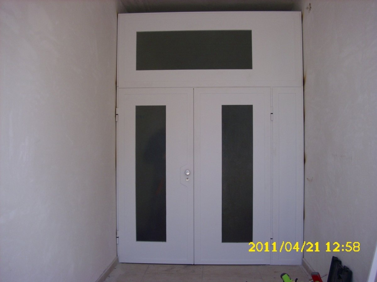 Входни врати за блокове